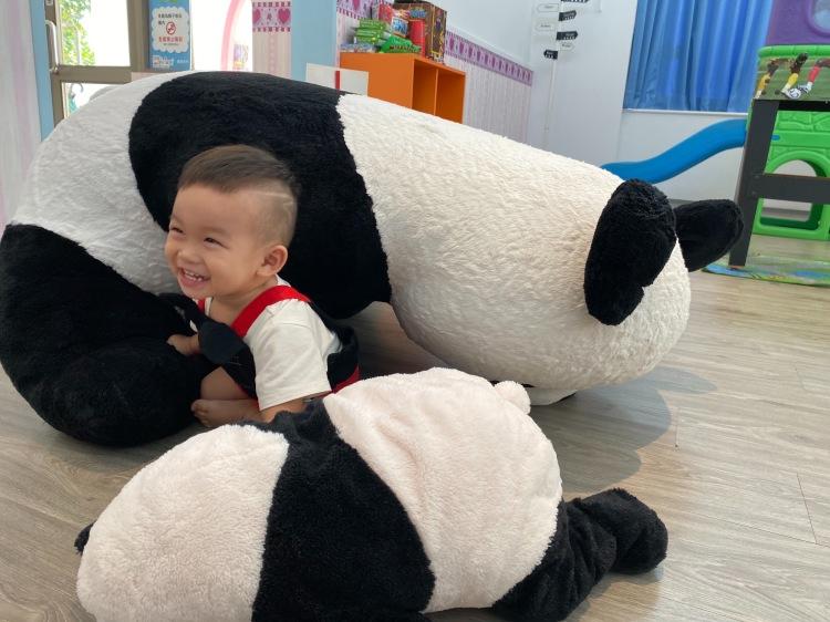 熊貓倒了XD